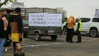 Protesta en la capital oscense por la Política Agraria Común.
