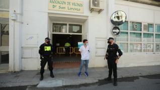 Vacunación masiva en la Asociación de Vecinos del barrio de San Lorenzo