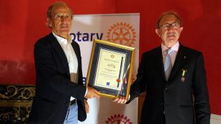 Petón recibe el reconocimiento del Rotary Club de Huesca