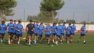 Primer entrenamiento del Huesca B con Lluis Sastre y Dani Aso