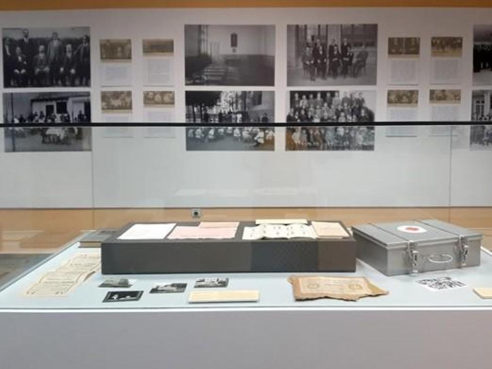"""El Museo Pedagógico de Aragón despide el curso con la exposición """"Álbum de fotografías. Escuelas de Aragón, 1900-1965"""""""