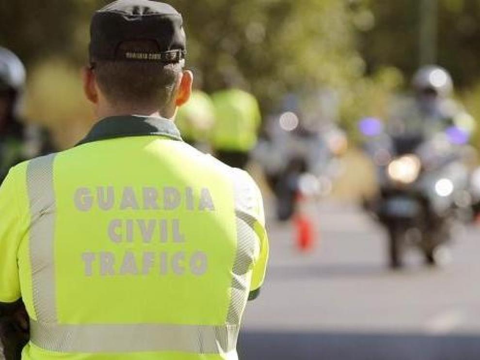 Fallece un motorista de la Guardia Civil de Tráfico en la N-330, a la altura de Zuera