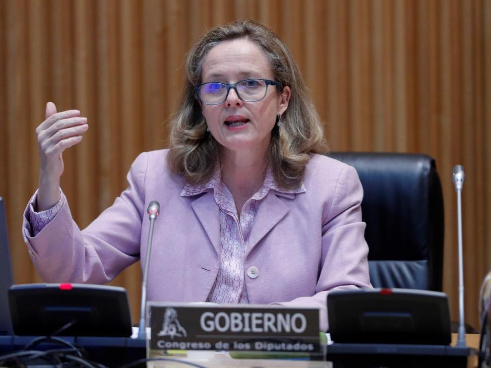 Calviño insiste en concentrar los ERTE en empresas que no puedan reabrir