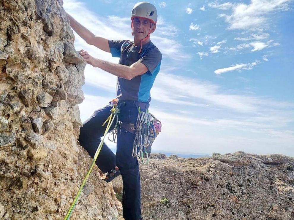 Alberto Ayora, en plena escalada.