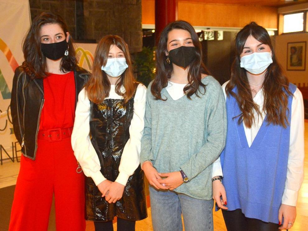 Las actrices Carlota Gurpegui, Julia Sierra, Andrea Fandos y Elisa Martínez participaron en el acto.