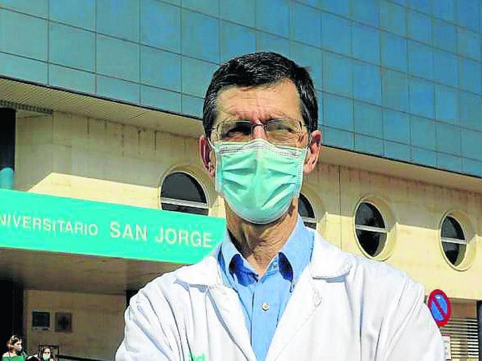José Puzo, jefe del servicio de Bioquímica del Hospital Universitario San Jorge