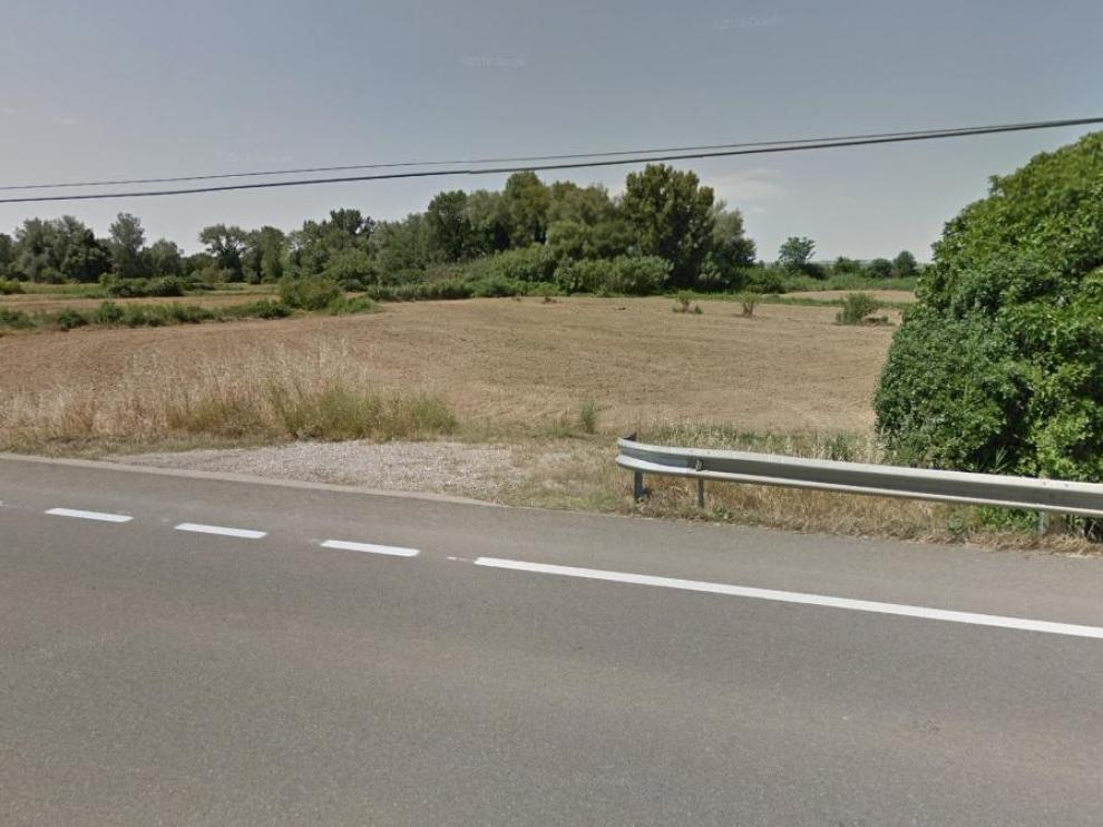 El ataque de los perros fue en una pista paralela a la carretera a Sariñena. En la imagen de Google Maps, proximidades de la zona.