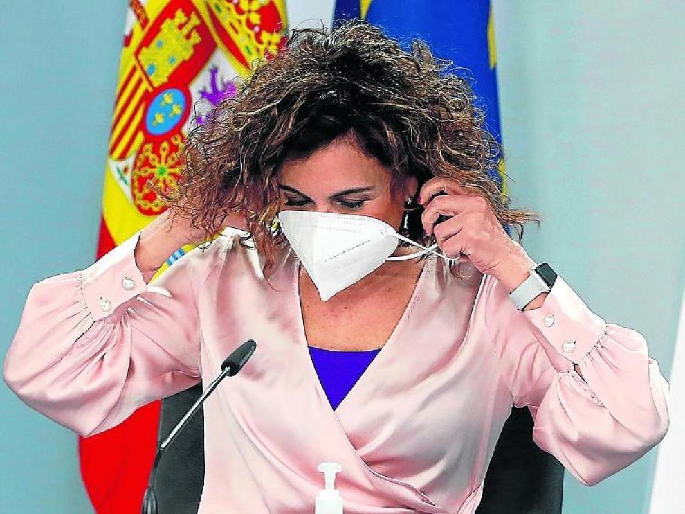 La ministra María Jesús Montero ayer durante la rueda de prensa tras el Consejo de Ministros.