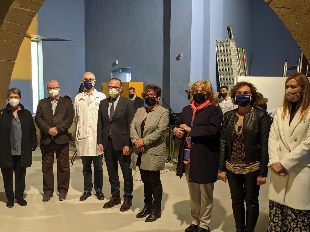 Representantes del Ayuntamiento, Diputación Provincial y DGA, junto a Felipe Faci en la visita a la Escyra