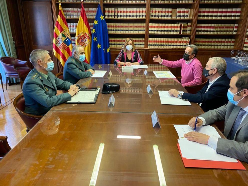 Reunión de Delegación del Gobierno, Diputaciones y Guardia Civil contra la ciberdelincuencia