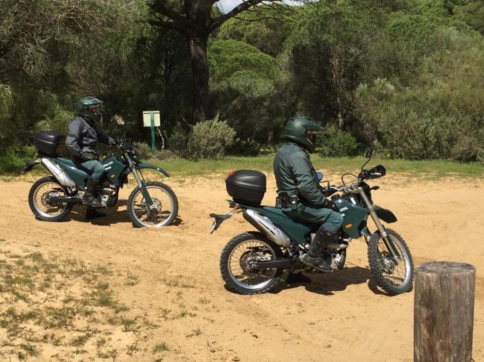 Imagen de archivo de dos agentes de la Guardia Civil en moto.