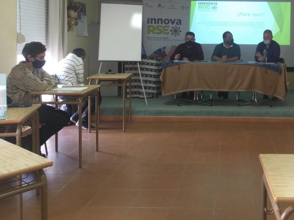 Presentación de la Mesa de Responsabilidad Social de la Zona Oriental de Huesca, en Peralta de la Sal.