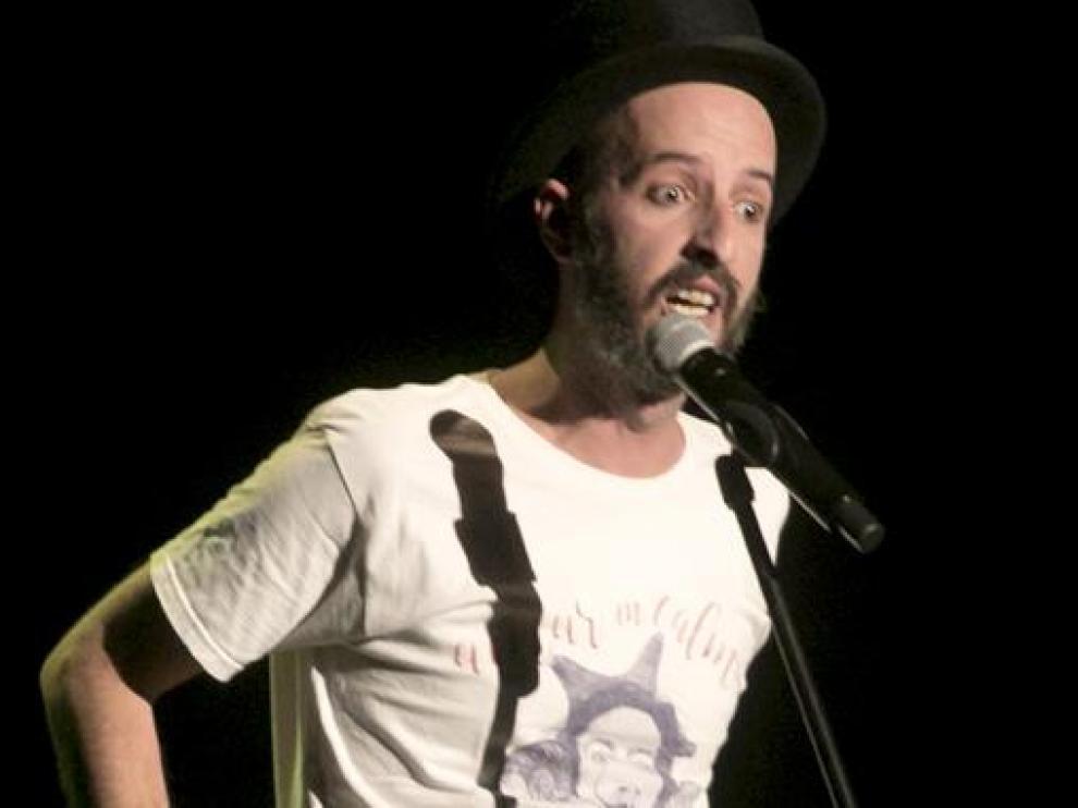El humorista zaragozano Diego Peña visitará Binéfar el 23 de abril.