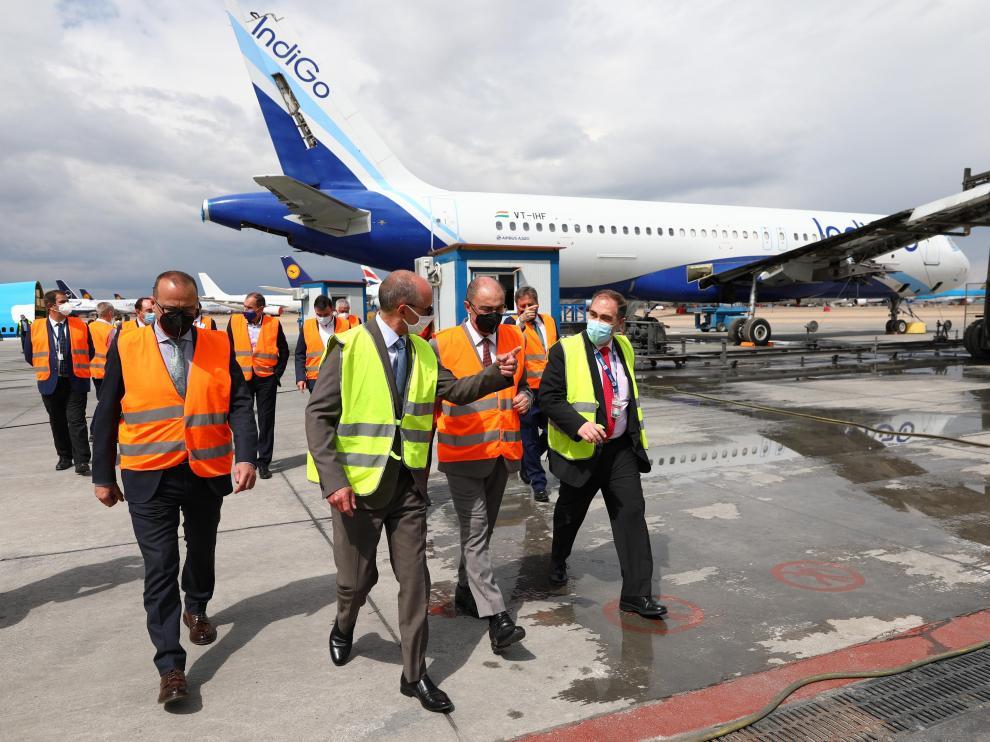 Lambán en el aeropuerto de Teruel