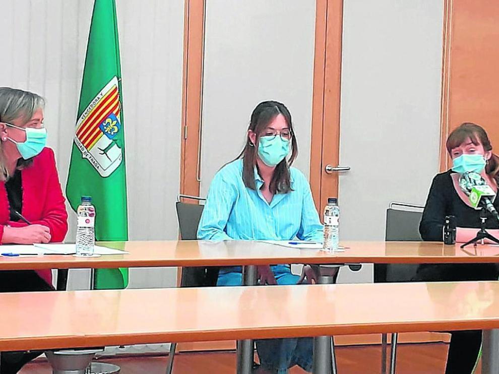 Carmen Costa, Miriam Vera y Lorena Cosba, en la presentación.