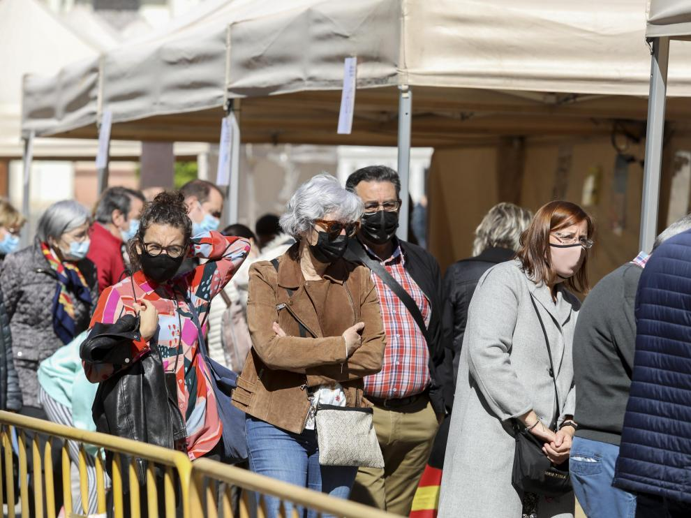 Ambientazo en la plaza de Navarra.