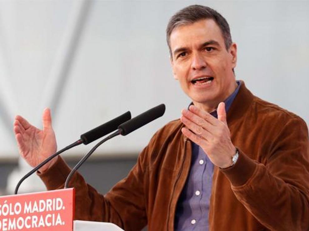 Pedro Sánchez en un acto de campaña para apoyar al candidato socialista Ángel Gabilondo