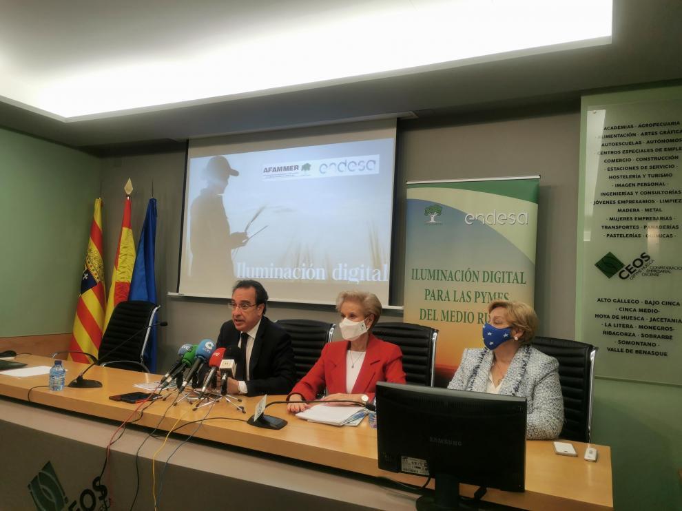 Ignacio Montaner, Carmen Quitanilla y Pilar Goded, durante la rueda de prensa este lunes.