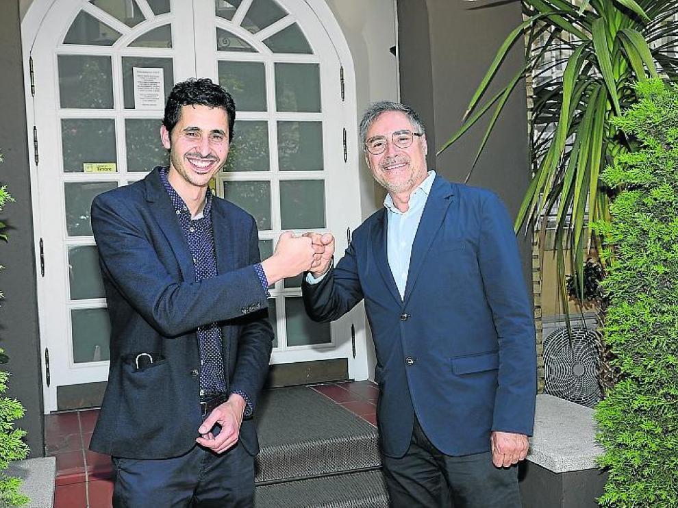 Pablo Villacampa (izquierda) con Carmelo Bosque, presidente de la Asociación.
