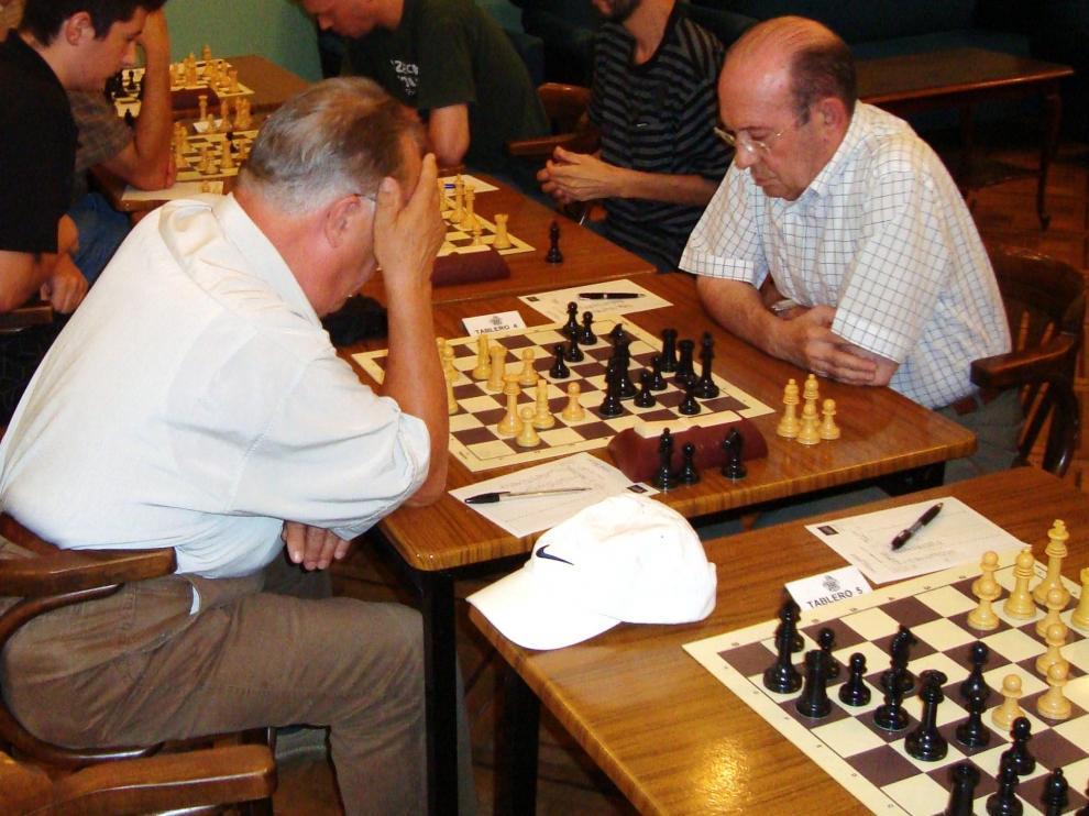 Yañez, a la derecha, jugando un match Huesca-Tarbes