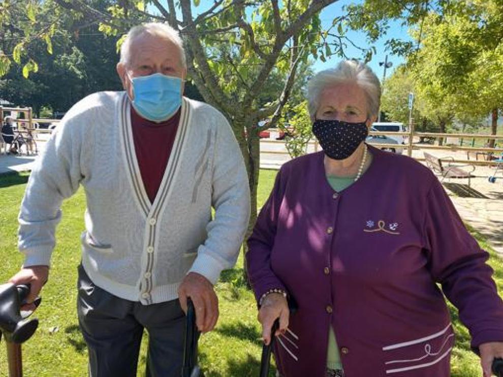 Francisco Lacasa y Carmen Rosalí, representantes de los usuarios de la residencia la Conchada de Biescas.