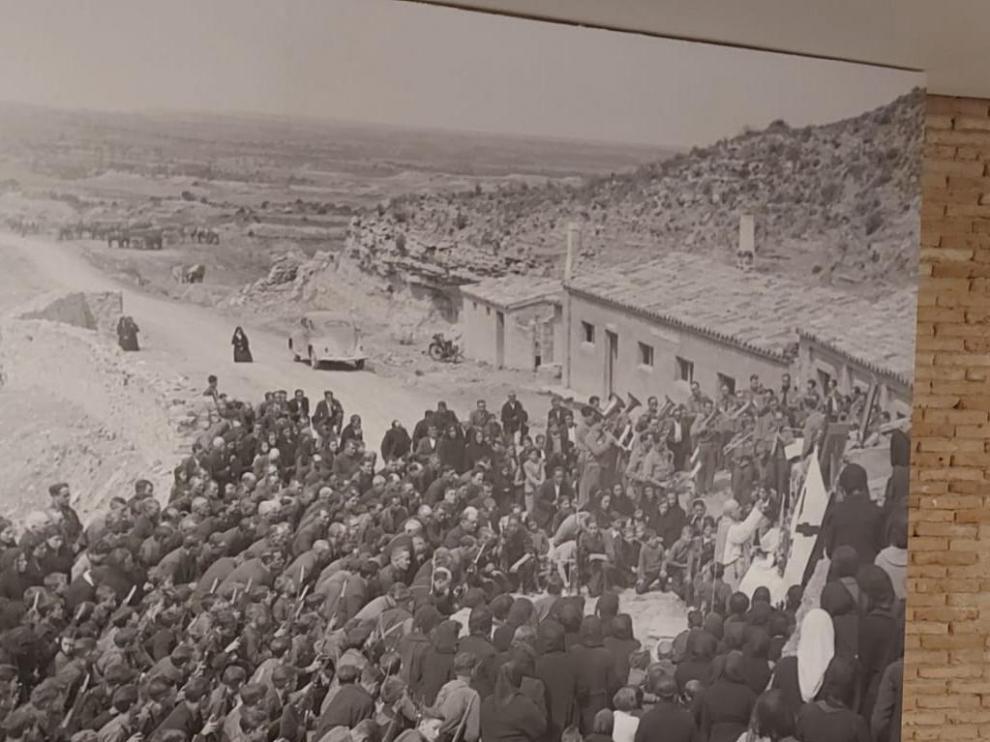 Fotografía de Ángel Cortés en Alcubierre, en abril de 1939.