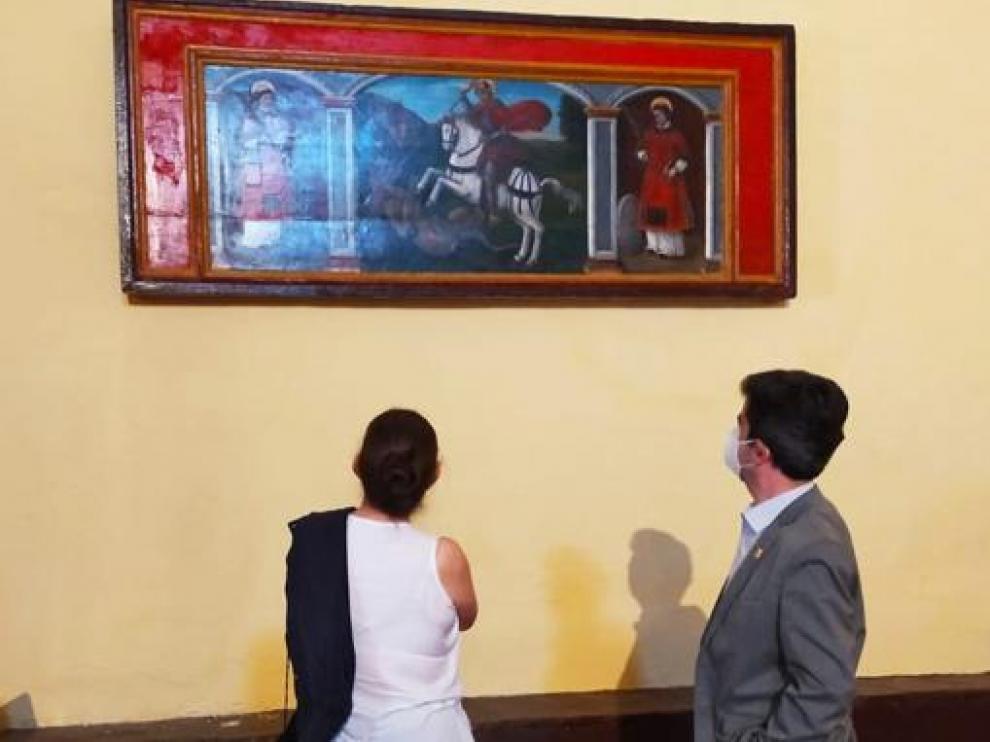Luis Felipe observa la restauración