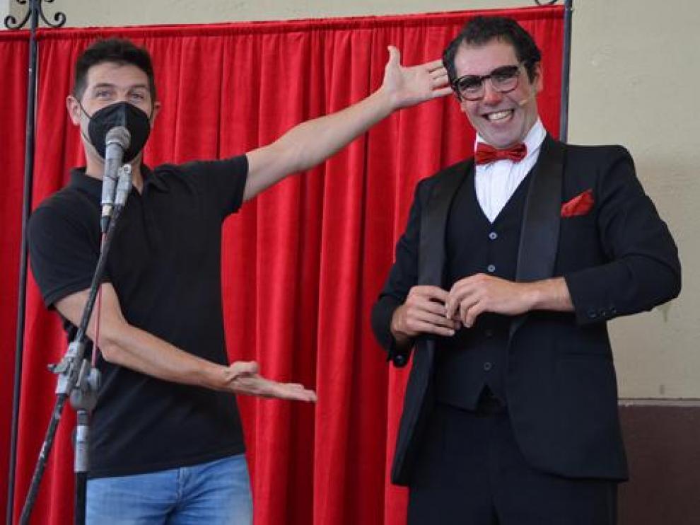 Civi-Civiac presentó ayer a Adrián Conde, que mezcló magia y clown en El gran Braulio.