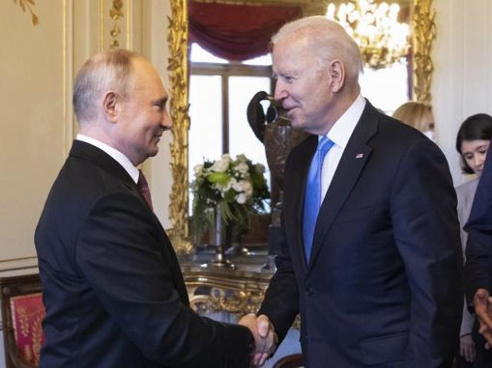 Los presidentes de Rusia, Vladímir Putin, y EE. UU., Joe Biden, mantuvieron ayer una reunión de más de cuatro horas.