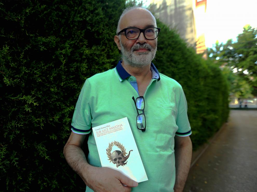 Gonzalo Fontana presenta su libro 22 - 6 - 21 foto pablo segura ..[[[DDA FOTOGRAFOS]]]