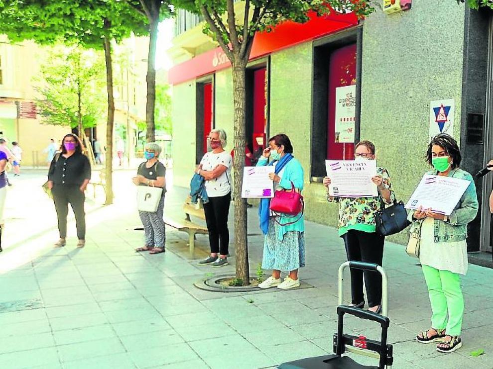 Imagen de la concentración convocada en Huesca