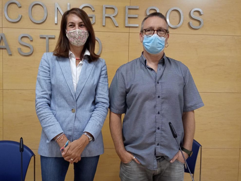 Blanca Galindo y Javier Guirao en la presentación del ciclo 'Veranearte' de Barbastro.