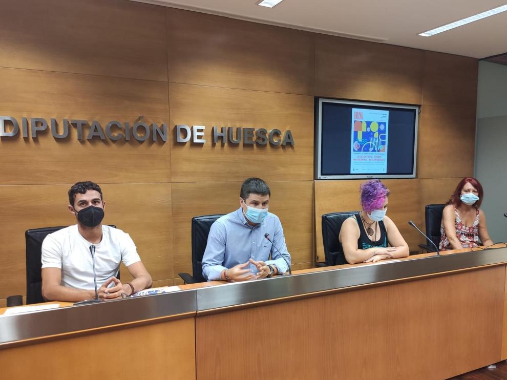 A la presentación han asistido Luis Costa, Antonio Biescas, Rebeca Armada y Ana Béjar