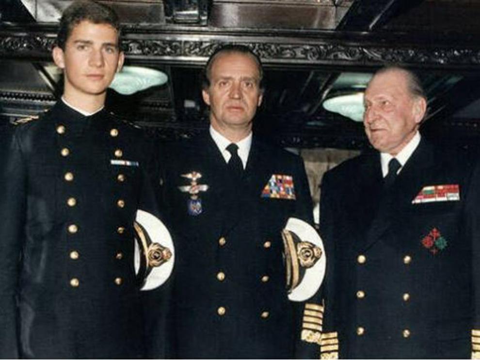 El príncipe Felipe, Juan Carlos I y Juan de Borbón, tres generaciones de la familia