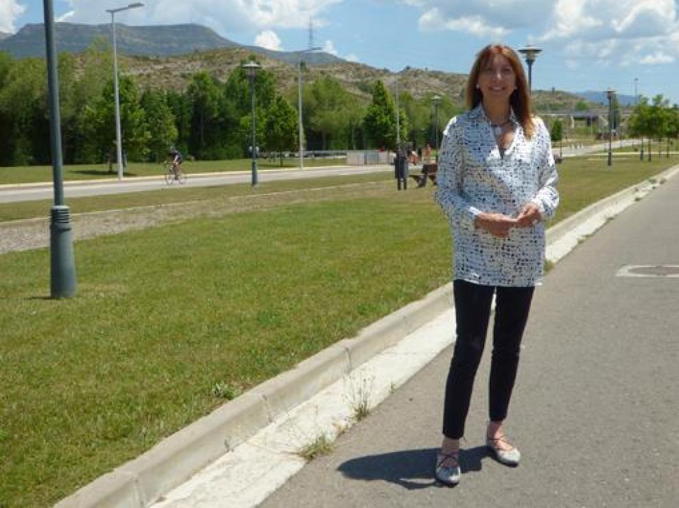 Berta Fernández en el boulevard de Puente Sardas en el que se colocará la escultura.