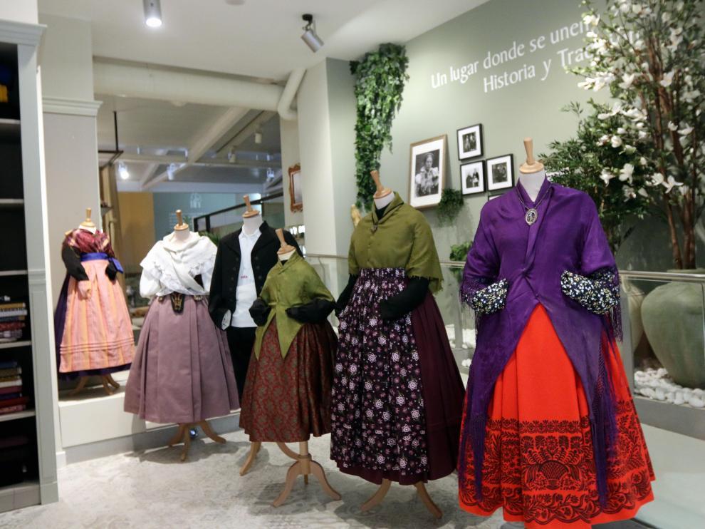 La riqueza de la indumentaria tradicional se extiende por toda la provincia de Huesca.   foto pablo segura   11 - 8 - 21