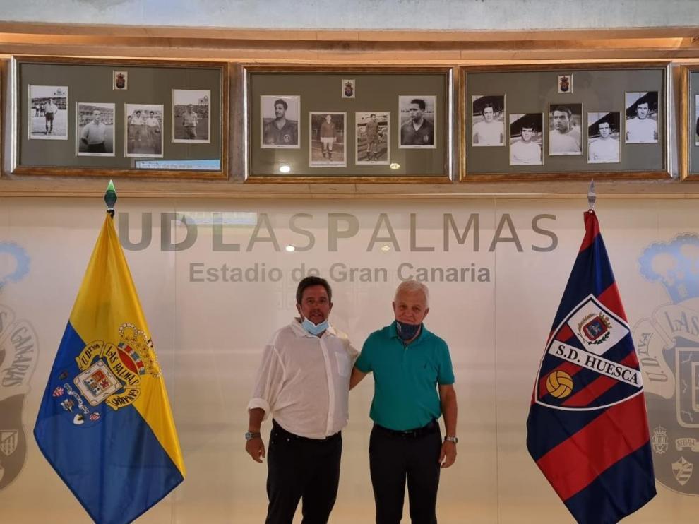 Manuel Ollé estuvo acompañado por un consejero del Cabildo de Gran Canaria en la sala social del club insular.