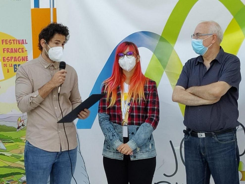 Javier Corellano, Sara Jotabé y José Ignacio López Susín, en la entrega del Premio Braulio Foz.