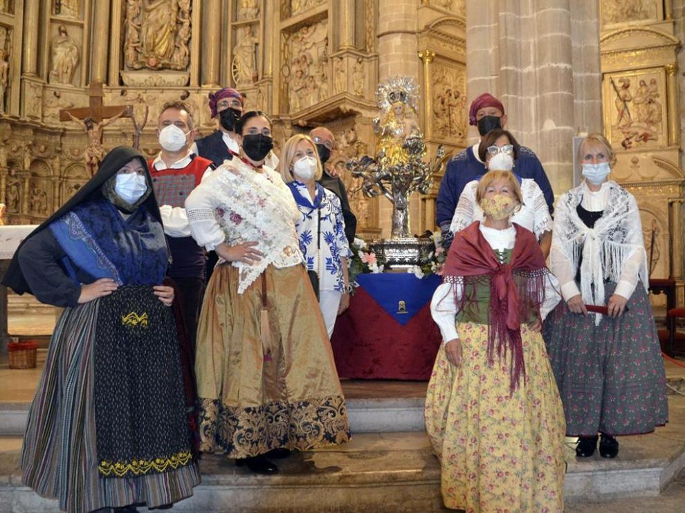 Asociación Reina Petronila y Folclorica Somontano.