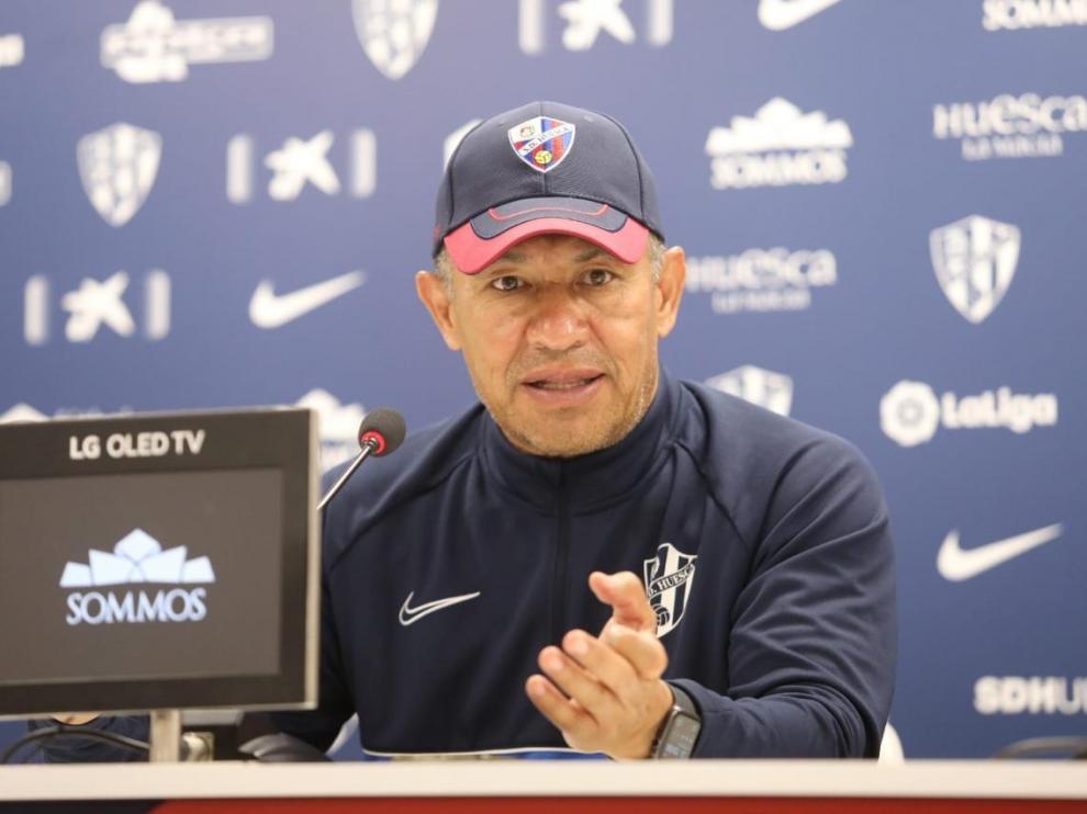 Nacho Ambriz,durante la rueda de prensa de este sábado.