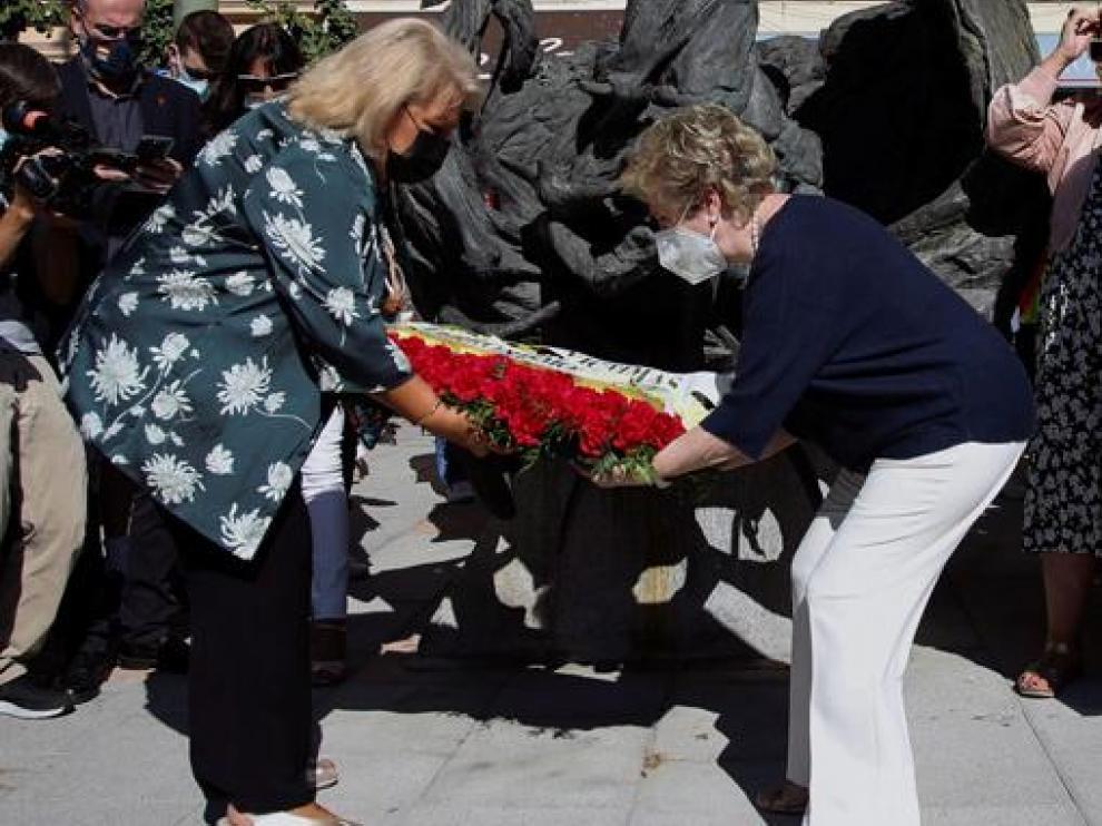Ofrenda floral de la Asociación de Víctimas del Terrorismo este sábado en Madrid