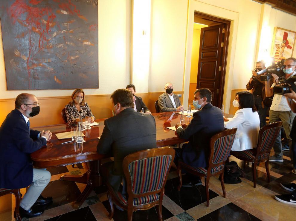 Lambán, en la reunión de ayer entre DGA y FAMCP para analizar la estrategia de recuperación.