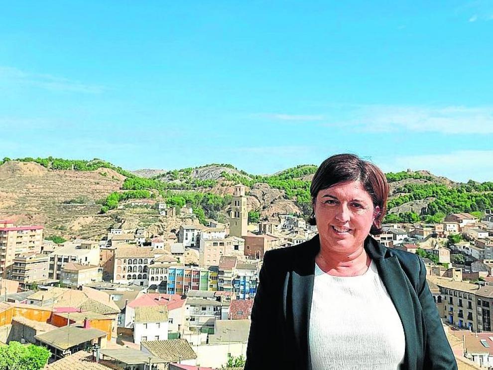 Marta Gallart es la gestora especializada en Banca Patrimonial de Caja Rural de Aragón en Tamarite de Litera.