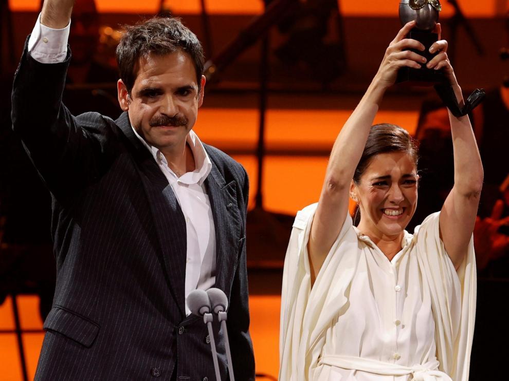 Jorge Usón y Carmen Barrantes han celebrado el premio.