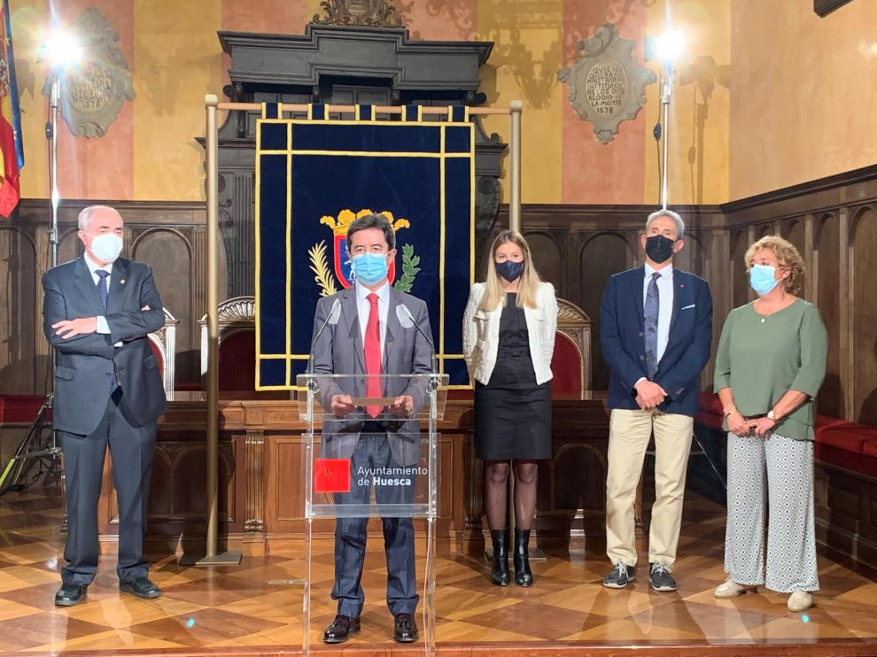Luis Felipe, alcalde de Huesca, durante la presentación del proyecto de digitalización empresarial.