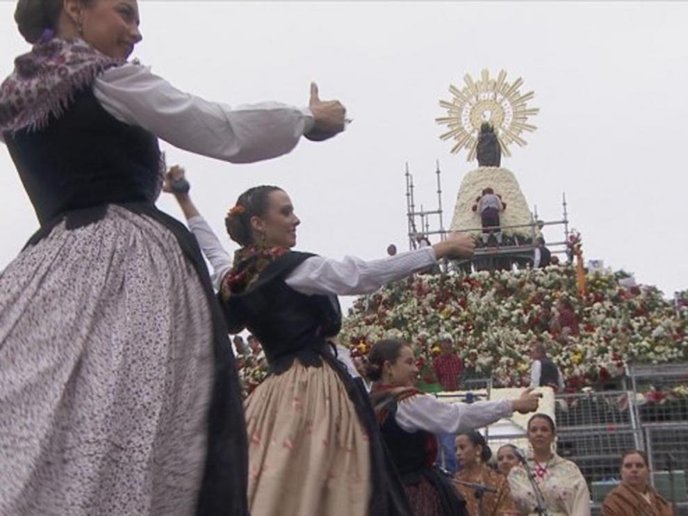 Aragón TV ofrecerá el martes 12 de octubre la retransmisión de la Ofrenda de Flores más larga en la historia de la cadena.