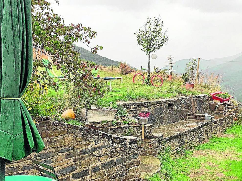 Lastiesas Altas ofrece tranquilidad al visitante en la 'Posada naturista'.