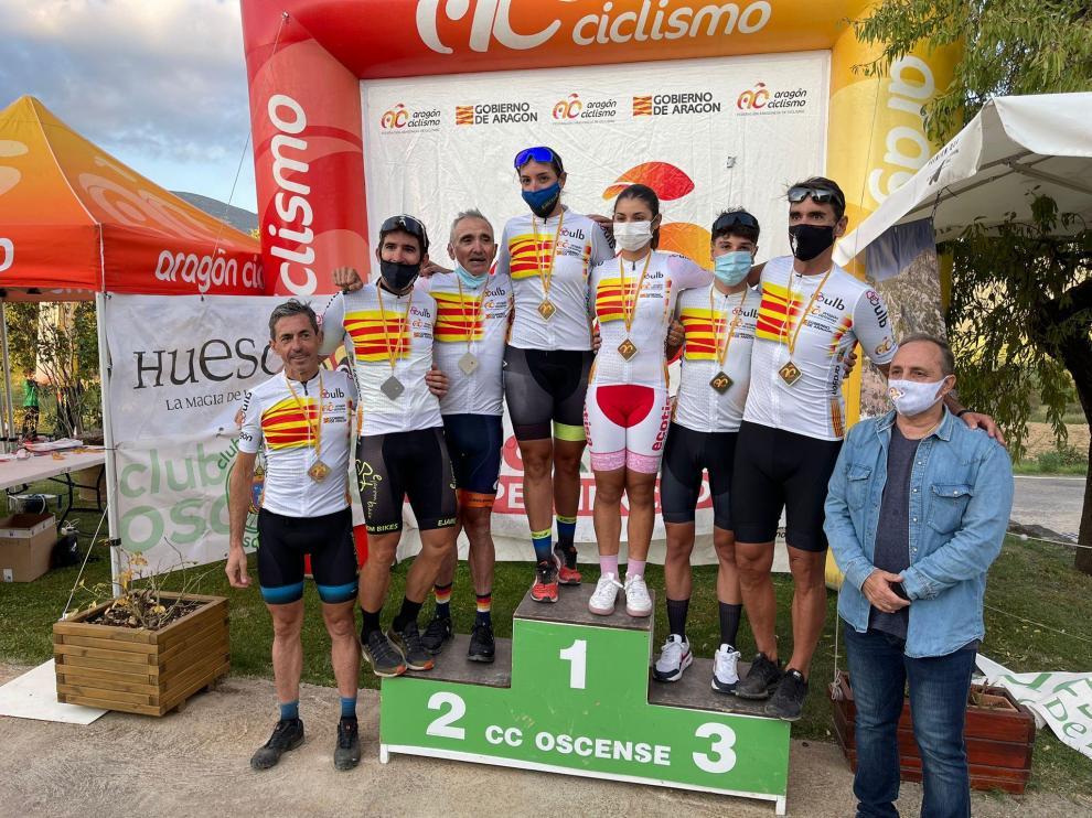 Foto de familia de todos los nuevos campeones de Aragón en Panzano
