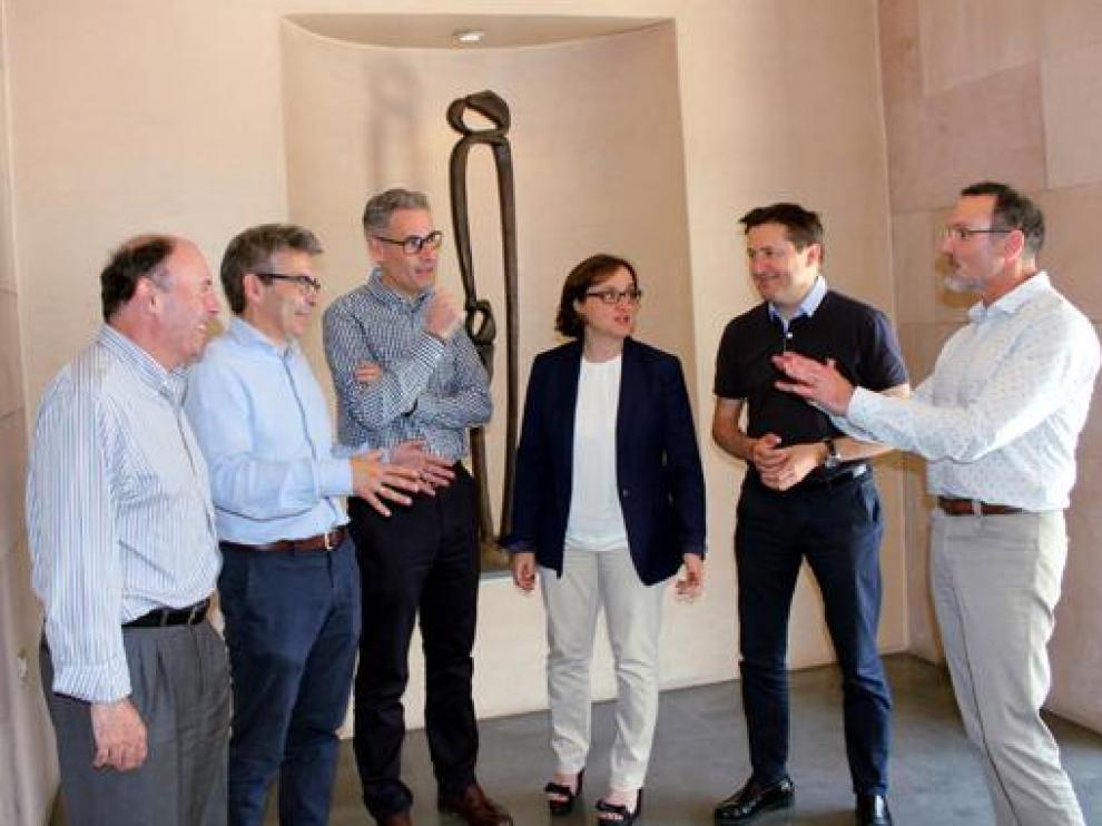 Reunión en los inicios del programa Mentoring en 2018, con José María Vilas, Roberto Garzo, Javier Pardiño, Isabel Montals, Víctor Alfaro y Pedro Salas, en la Diputación Provincial.