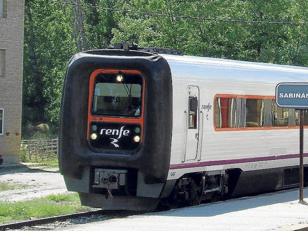 La estación de tren de Sabiñánigo dejará de prestar el servicio de venta de billetes